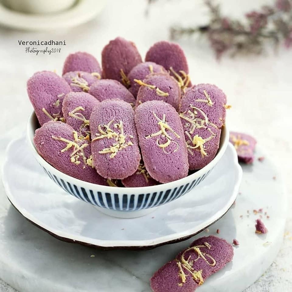 Kue Kering Lidah Kucing Taro
