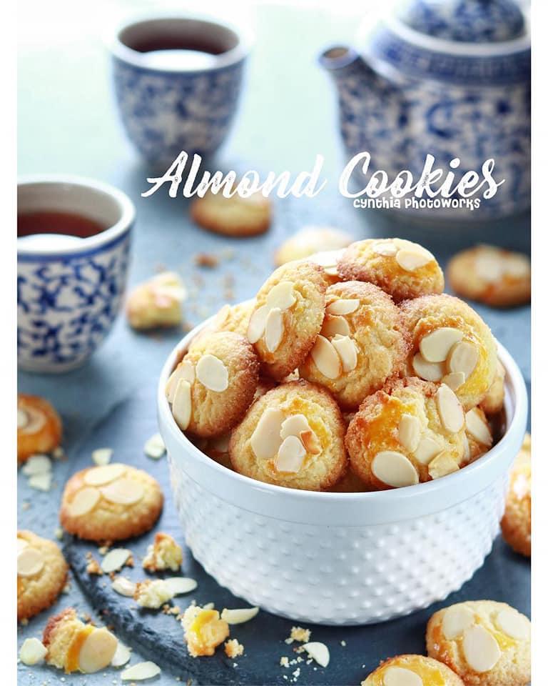 Kue Kering Almond Cookies