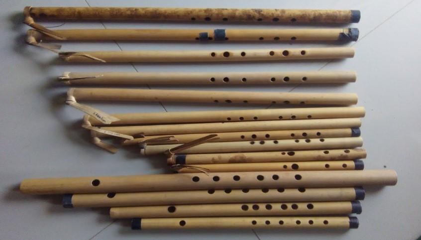 Kerajinan Seruling dari bambu