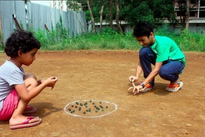 Permainan Tradisional Gundu atau kelereng