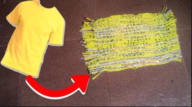 Kaos bekas menjadi keset