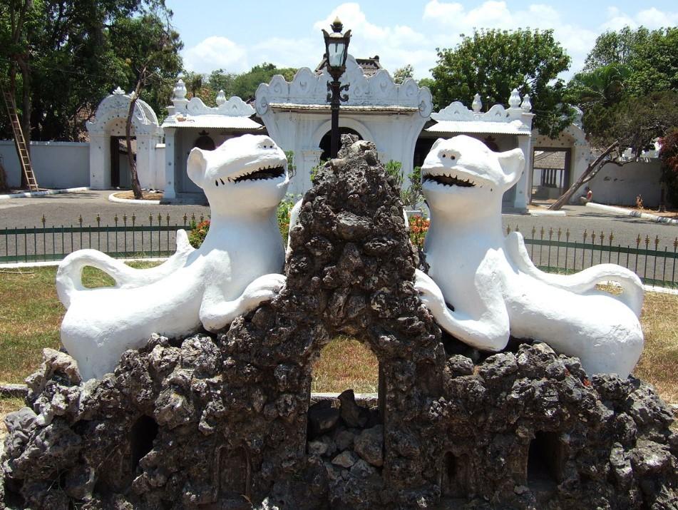 Symbol Keraton Kasepuhan adalah Tempat Wisata di Cirebon