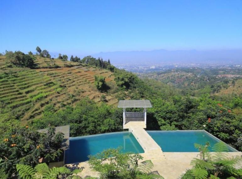dulang resort & resto - kolam renang di bandung